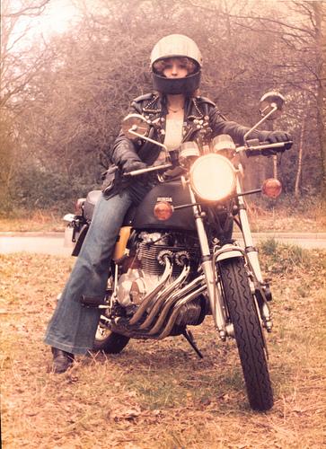 Honda CB400F Girl