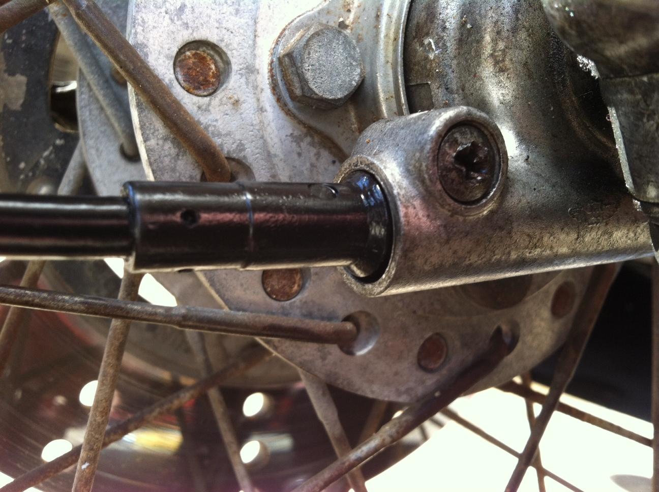 Honda CB400F Speedometer Cable Installation 1