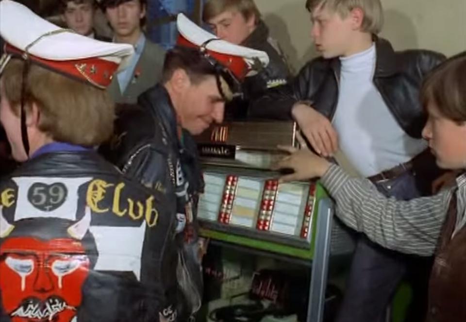 behind-the-ton-up-boys-club-59-british-motorcycle-club-rockers-5